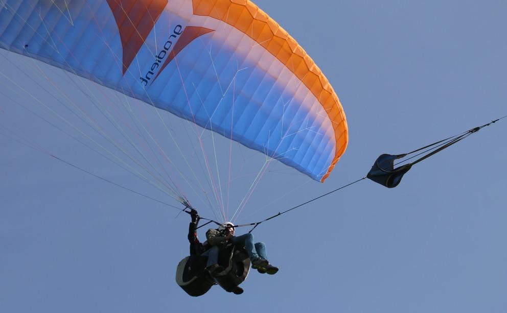 Paragliding lesson